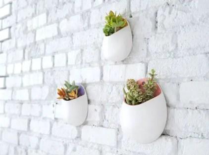 Wand-Pflanzgefäß-weiß-lackiert-Ziegel