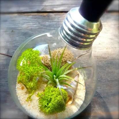 Diy-decoration-from-bulbs-120-craft-ideas-for-old-light-bulbs-38-566