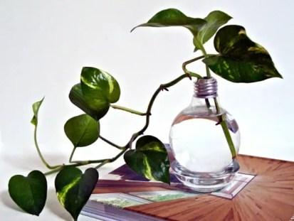 Diy-decoration-from-bulbs-120-craft-ideas-for-old-light-bulbs-54-566