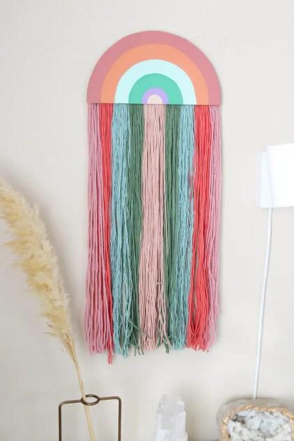 DIY-Garn-Wandbehänge-für-einen-Boho-Touch-4