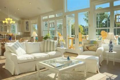 How-to-choose-sofa-covers-white-sofa-cover-beach-house-furniture