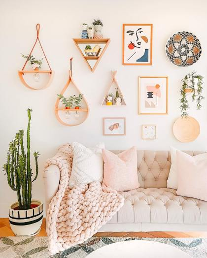 Instagram-worthy-living-room-with-wall-gallery