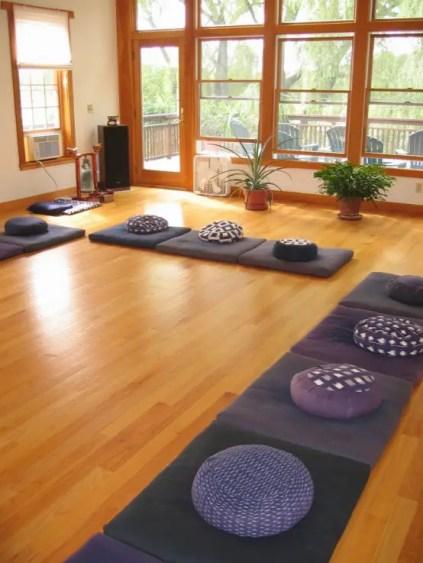 Minimalistische-Meditationsraum-Design-Ideen-1-554x738-1