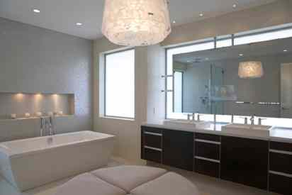 Modern-light-fixture-in-the-bathroom