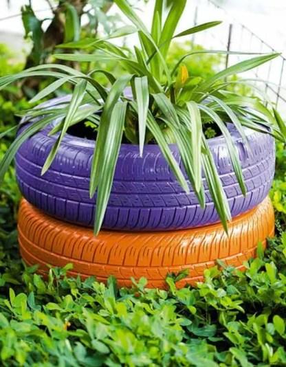 Natural-tire-garden-decoration