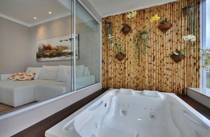 1-fabulous-bamboo-wall-acts-as-the-perfect-backdrop-for-a-tranquil-soothing-dip