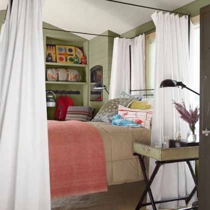 1442431347-54eae1d237315_-_hoy-guest-house-comforter-blanket-0912-xln