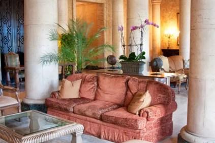 16-living-room-sofa-ideas-new-stock-870x579-1