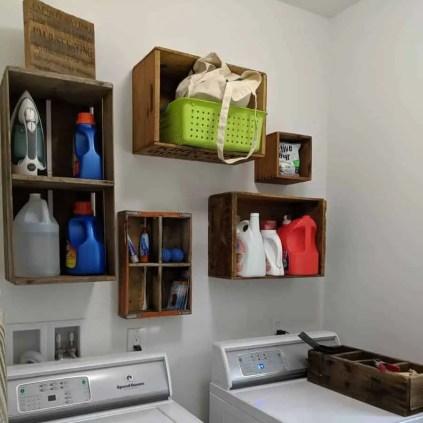 Kleine-Waschküche-Lagerung-klebrige Böden und glückliche Kinder