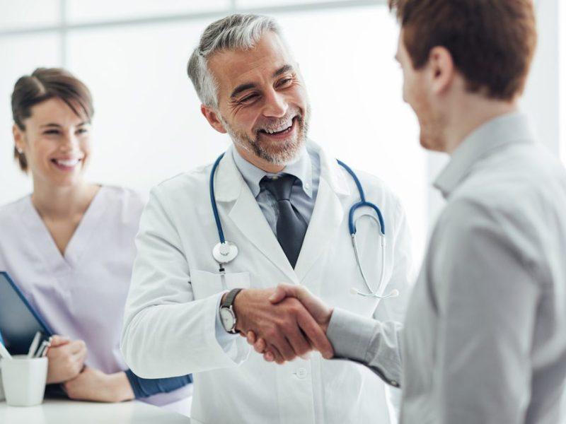 Los beneficios de participar en un ensayo clínico