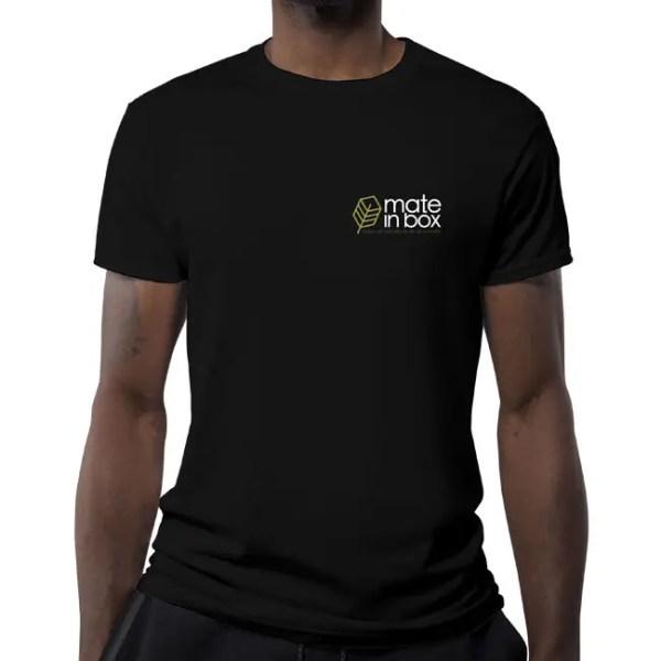 Camiseta Mate in Box Mockup Preta