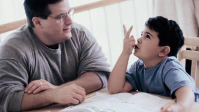 Apa segít a házi feladatban