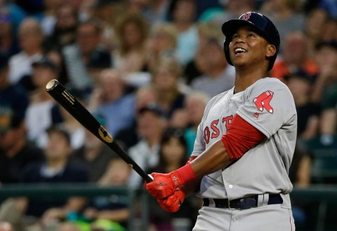 #VIDEO: Devers, Boston dividieron la serie a palo limpio