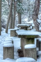 Mesas en la nieve, Alcalá de la Selva, Teruel. © mateoht 1990-2013 - http://lafotodeldia.net
