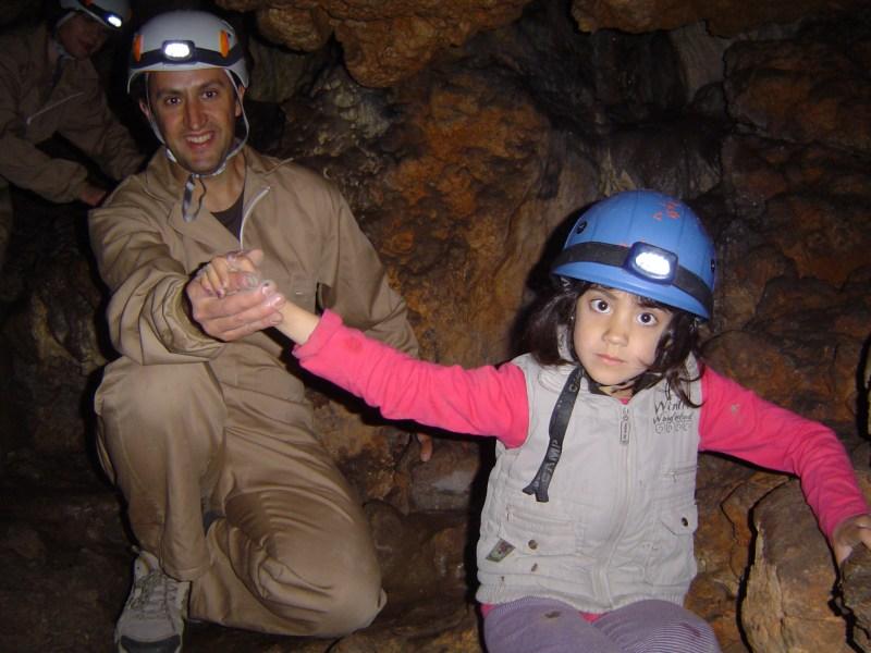 Cueva de la sarsa en familia