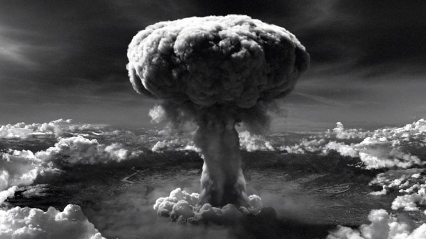 hiroshima-bombing-article-about-atomic-bomb