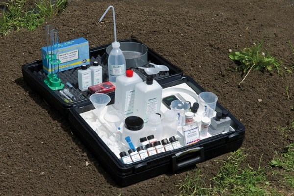 Laborator pentru studierea solului VISOCOLOR 5