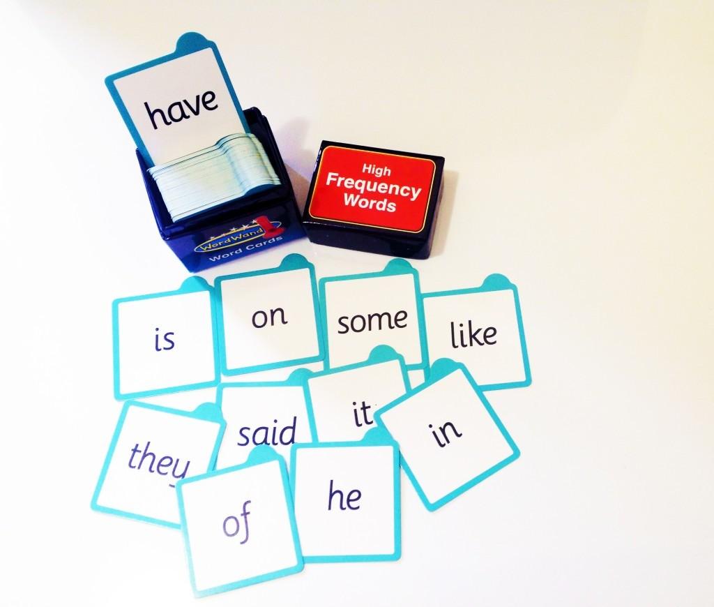 Carduri de CUVINTE pentru bagheta magica