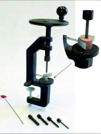 Dispozitiv pentru perforat dopuri