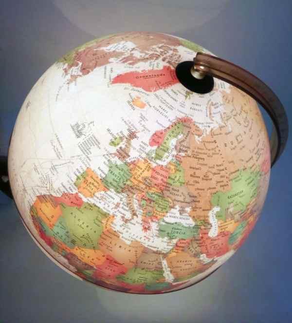 Glob geografic pamantesc iluminat Discovery 7