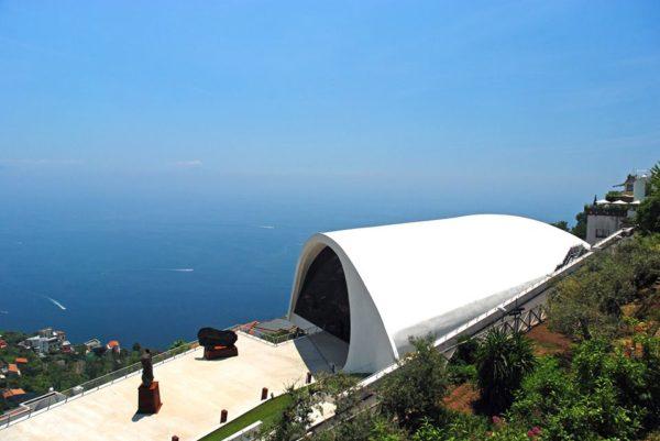 """alt=""""architetturemediterranee-architettura-costieraamalfitana-auditoriumdelravello-oscarniemeyer"""""""