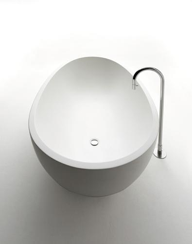"alt=""design-in-viaggio-agape-25hours-hotel-vasca-spoon-xl-cristalplant"""