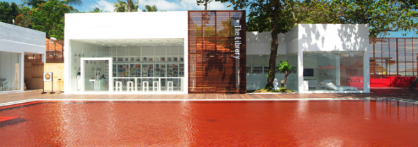 "alt=""rivestimenti-piscine-design-the-library-resort-mosaico-trend"""