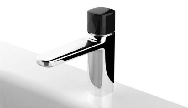 """alt=""""spazio-fantini-brera-rubinetti-lamé-matteo-thun-monocomando-nero"""""""