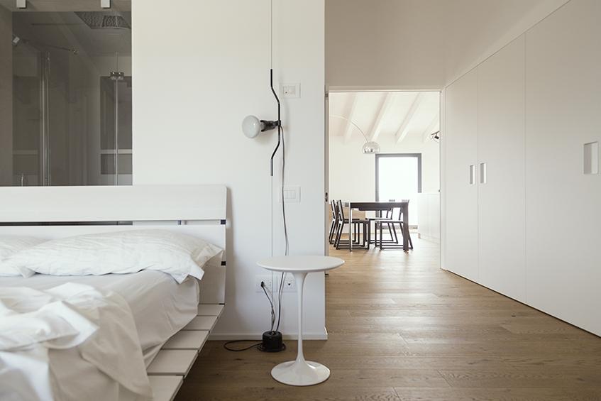 "alt=""Cinque domande a - ZDA architettura - Casa Lu - Vista camera"""