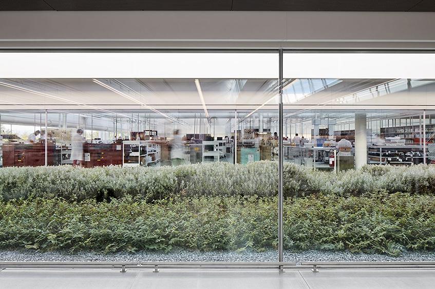 """alt=""""Design uffici - Sede Prada - Vista interna"""""""