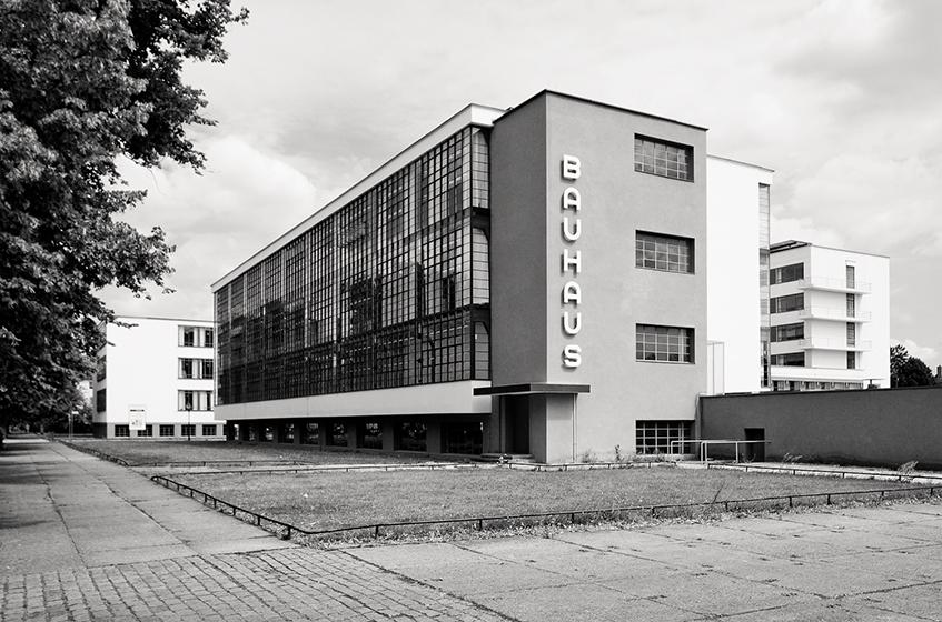 """alt=""""100 anni di Bauhaus - Sede di Dessau"""""""