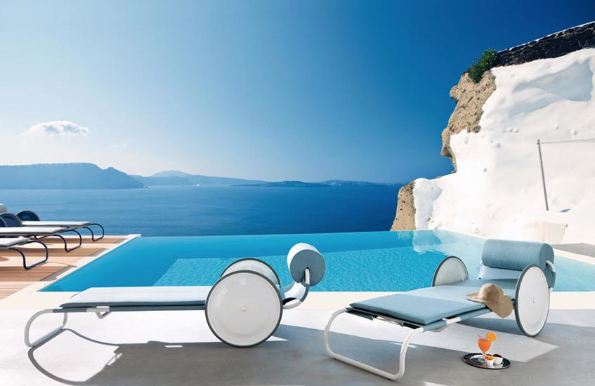 """alt=""""Design a bordo piscina - Sdraio Locus Solus - Gae Aulenti - Exteta"""""""