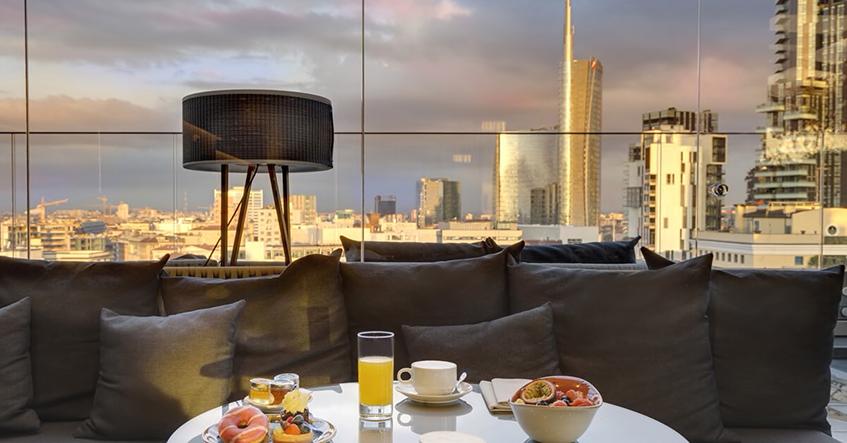 "alt=""Rooftop bar - Aperitivo Italia"""
