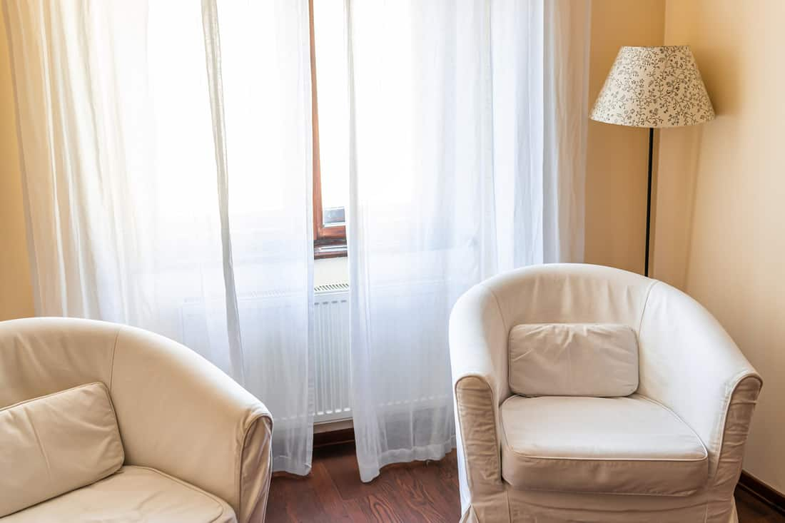 what curtains go with beige walls