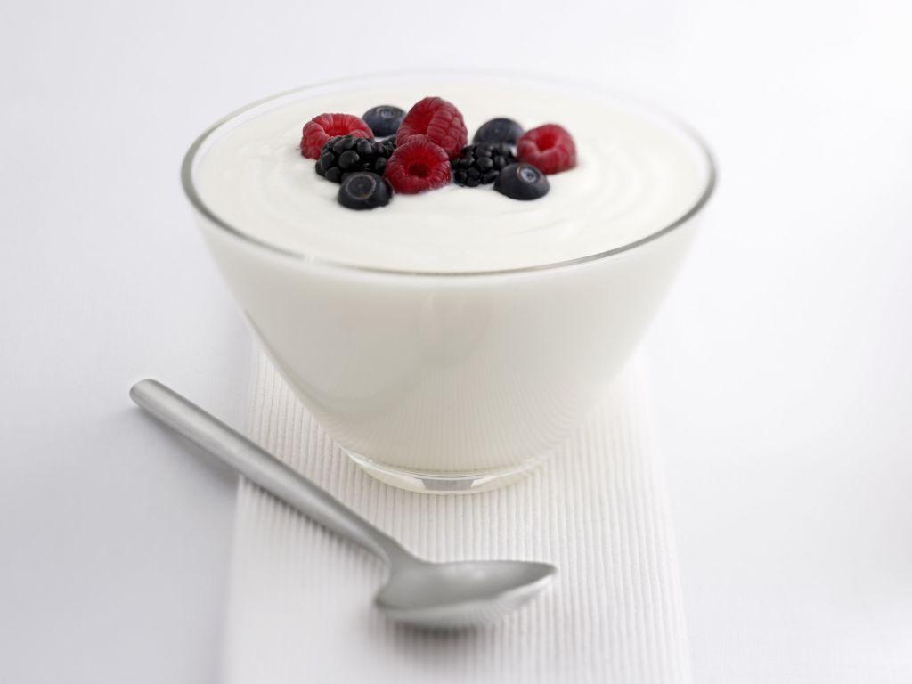 Yogur desnatado: propiedades y valor nutricional en comparación con la leche