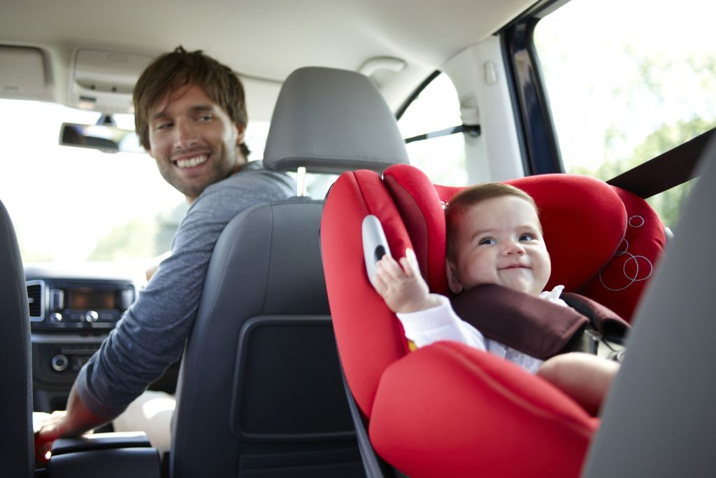 20 cosas que necesita un reci n nacido maternidadfacil for Sillas seguridad coche