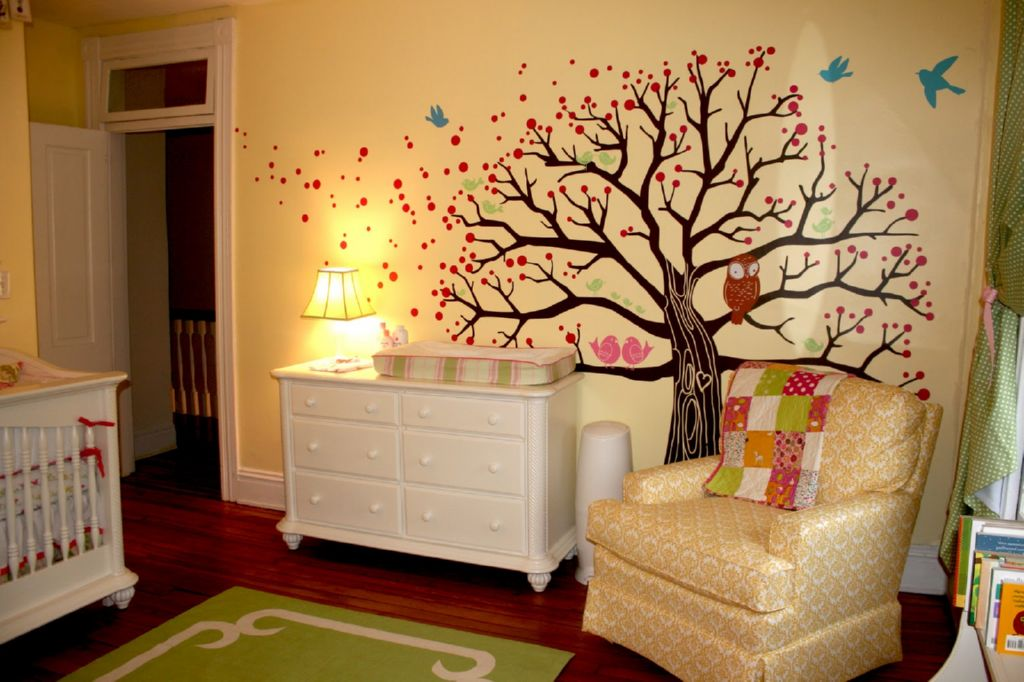 6 consejos para decorar la habitaci n del beb for Iluminacion habitacion bebe