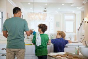 fregando los platos