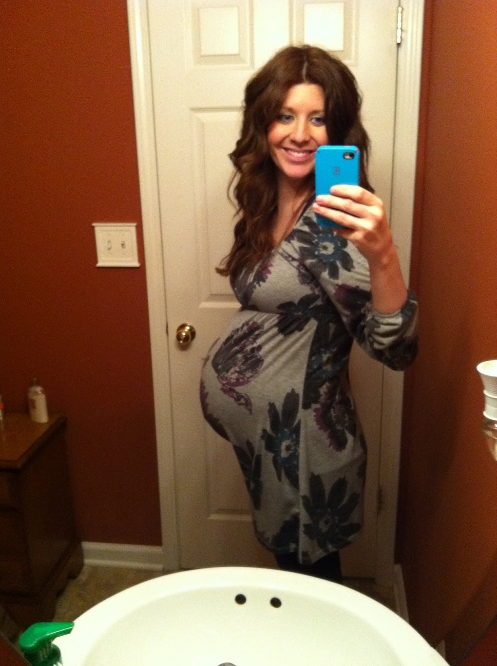 21 Weeks Pregnant Girl
