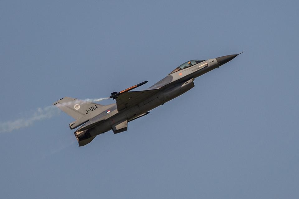F-16 Demo Team Gray SIAF 2013