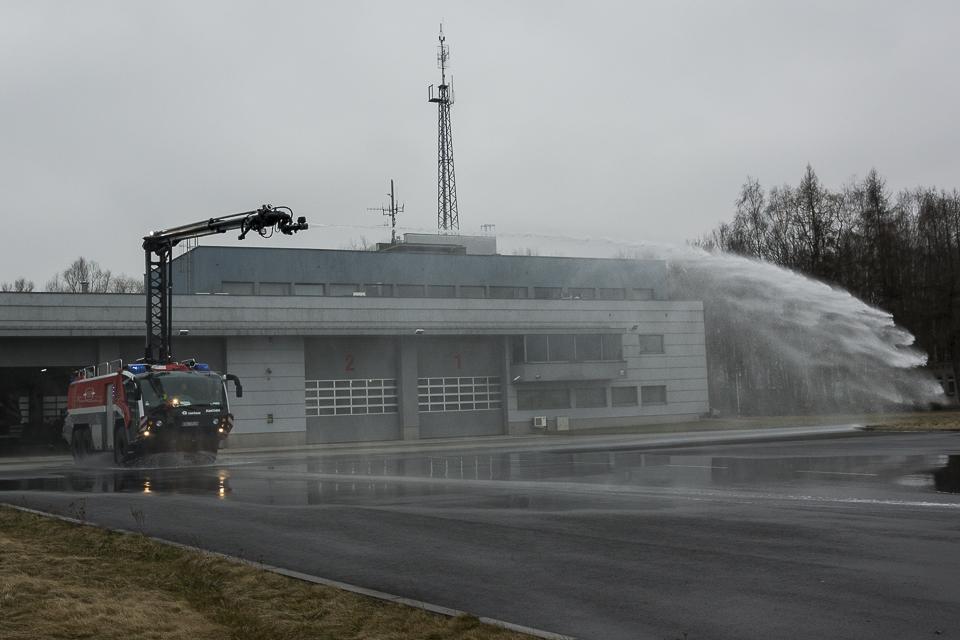 """Balice - Lotniskowa Straż Pożarna, wóz """"Panther"""""""