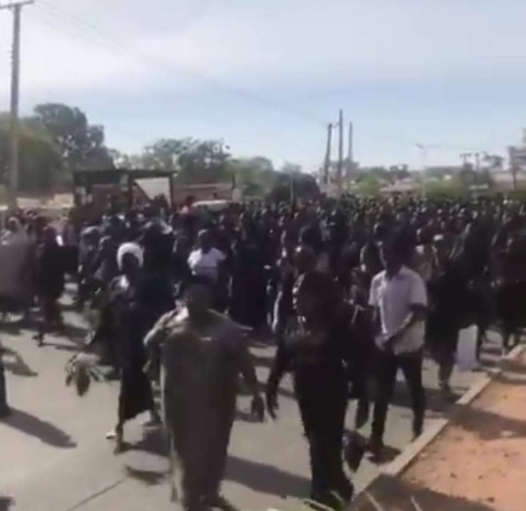 Plateau council workers defy Court Order to protest massively (2)