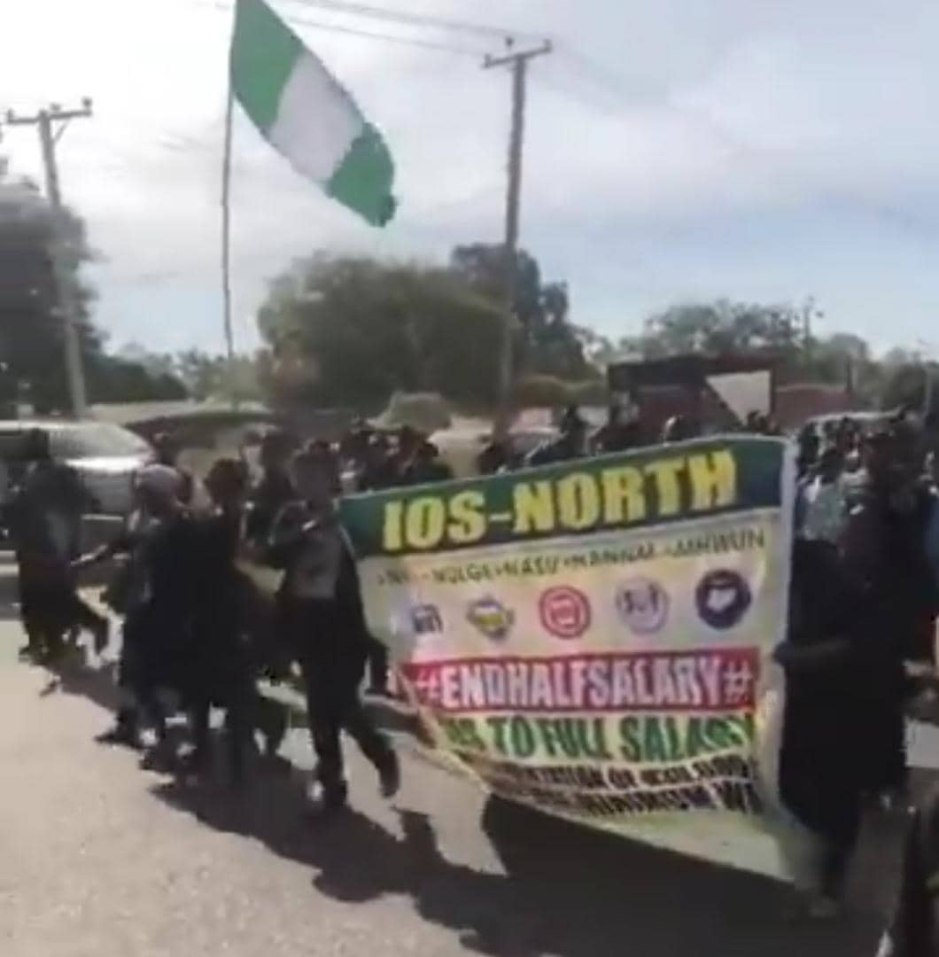 Plateau council workers defy Court Order to protest massively (3)