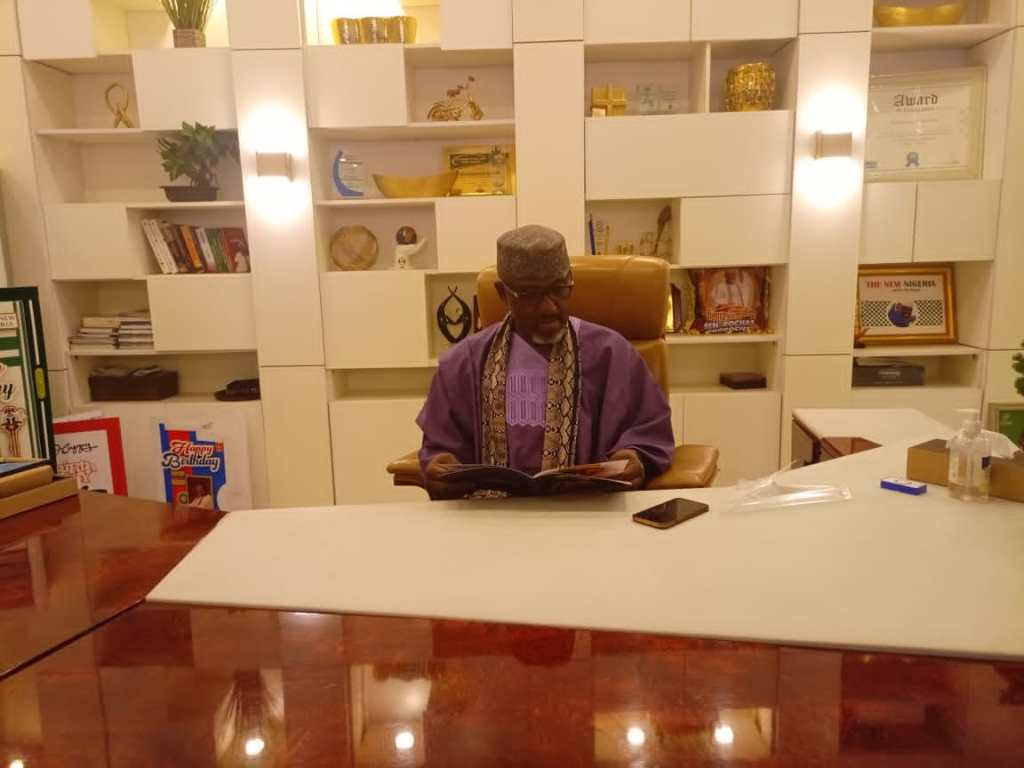 Sen Rochas Okorocha receives Nigeria's most expensive award Who Is Who Stand Of Fame 5