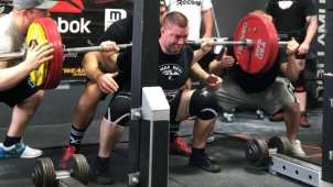 raw powerlifting squat