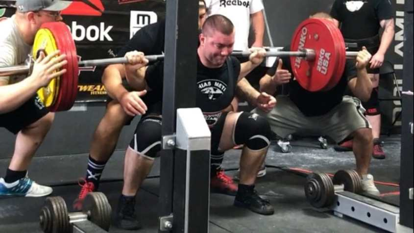 raw powerlifting squat