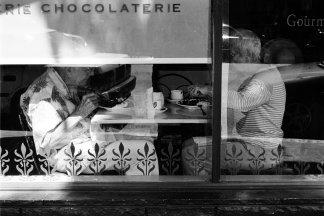 2_venerable_ladies_at_the_chocolaterie