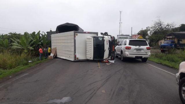 ACCIDENTE DE TRÁNSITO EN LA VÍA SAN JUAN - BABAHOYO