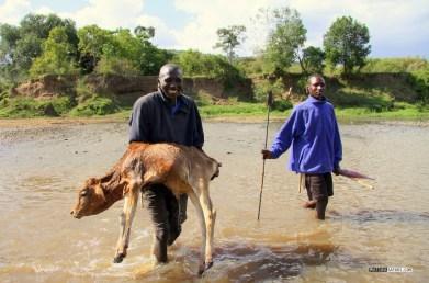 matira-safari-bushcamp-activities-maasai-village-00006