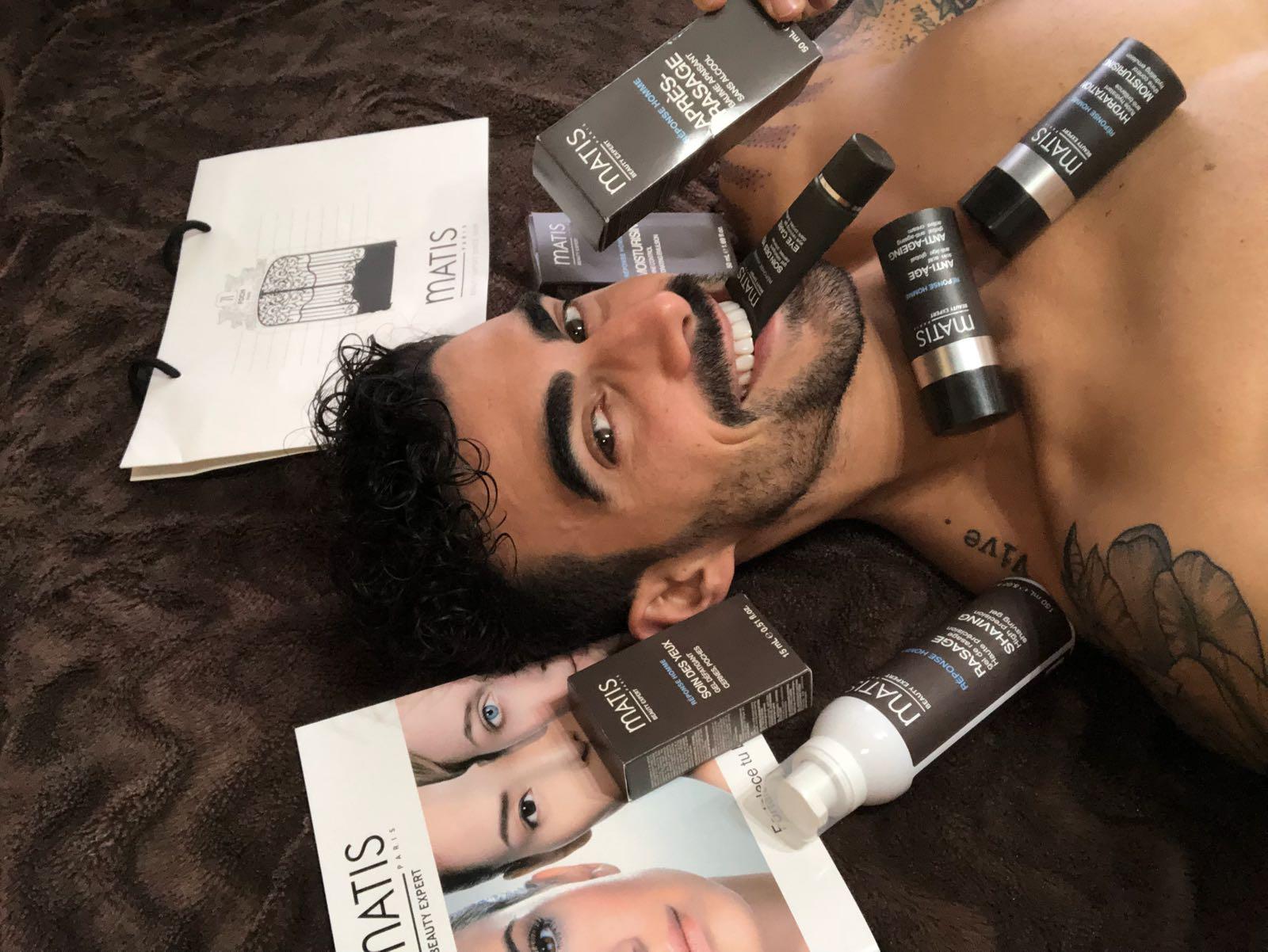 Cuidados cosméticos para hombre: el contorno de ojos según Rubén Castillero.
